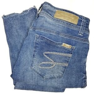 SEVEN7 SKINNY JEANS DISTRESSED WITH RAW HEM